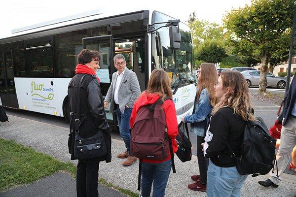 Bus_scolaire_faissault_2019-09-03_c_Bodez_RGE-3.jpg